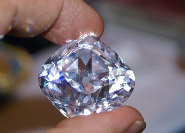 Le-Diamant-REGENT